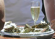 Champagne, Oysters and sunshine at the Gladmat festival